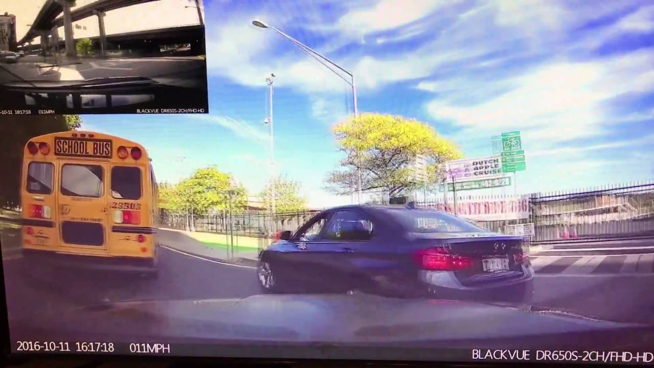 BlackVue Captures BMW Owner in a Hurry